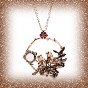 Necklace twin birds in old fashioned style - NWOT